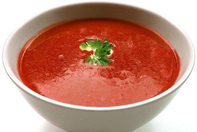 Tomatensoep met runder gehaktballen - uit de keuken van Jo